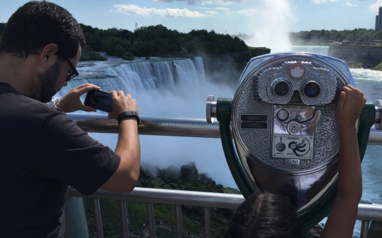 niagara falls single parents Save up to 34% on niagara falls learn more about niagara falls legends and daredevils at the niagara style niagara falls scenic trolleys with a single.