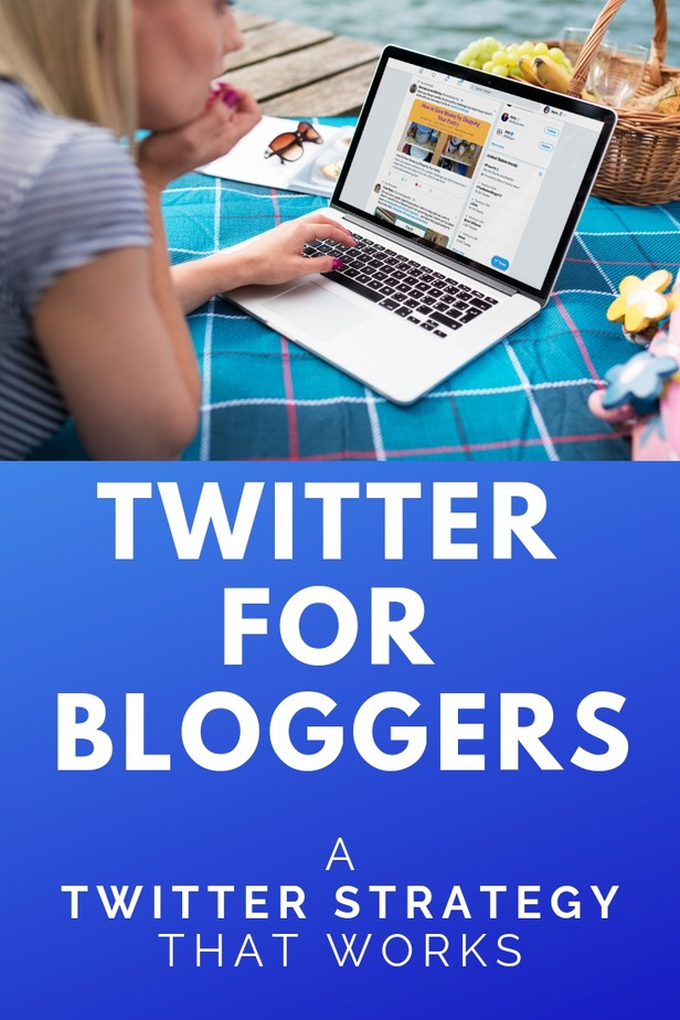 Twitter for bloggers - traffic secrets. Learning how to use Twitter is easier than you think. It only takes a few minutes to find out how to best use Twitter. Turn Twitter into a traffic machine with the best Twitter strategies, including Facebook groups for bloggers. Here's everything you need to get started with Twitter for bloggers. #twitter #twittertips #socialmedia #socialmediatips #bloghacks